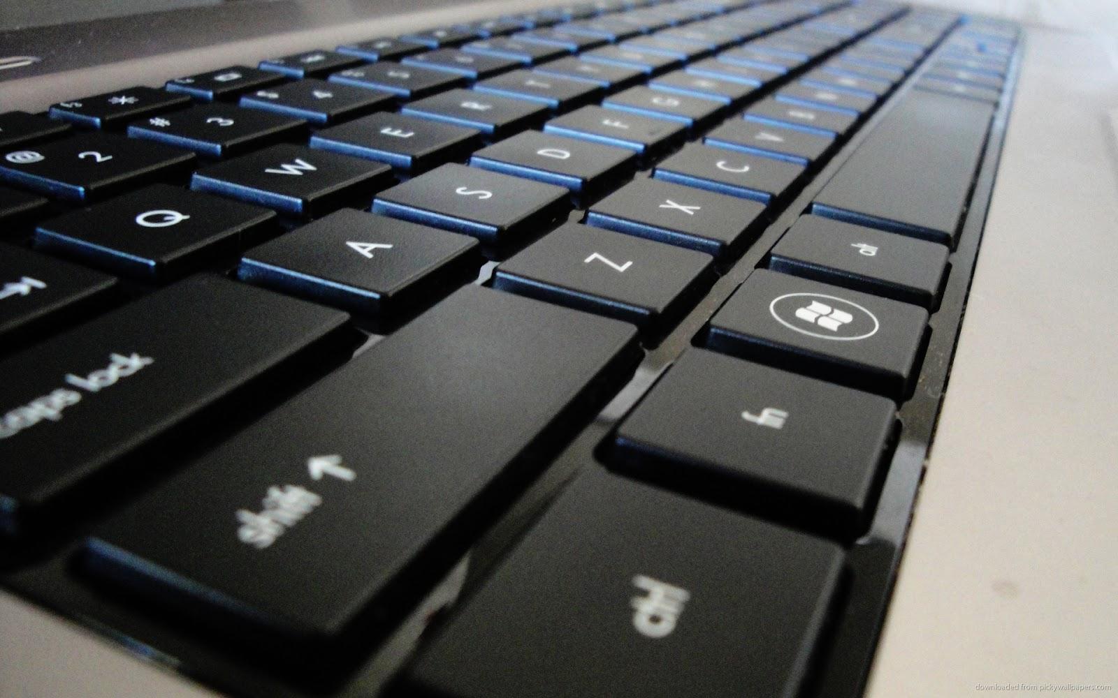 cara membersihkan keyboard komputer atau laptop