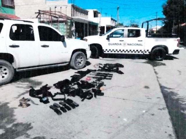 Guardias nacionales interceptan una camioneta con armas de fuego, cargadores, cartuchos y chalecos tácticos