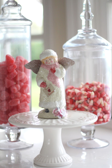 valentines-day-decor-angel