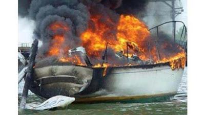 Εκδήλωση πυρκαγιάς σε ιστιοφόρο σκάφος