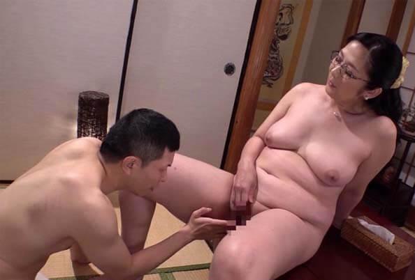 SPRD-1320 Eng Sub I Was A Thirty Year Old Woman, And He Was A Virgin Shinobu Oshima