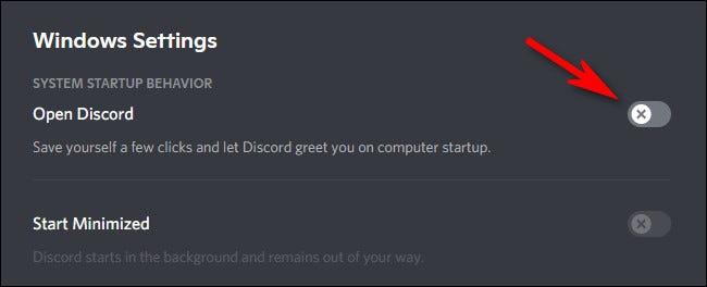 """في """"إعدادات Windows"""" ، انقر فوق المفتاح الموجود بجانب """"فتح Discord"""" لإيقاف تشغيله."""