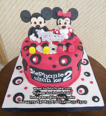Kue Tart Fondant Mickey dan Minnie Mouse