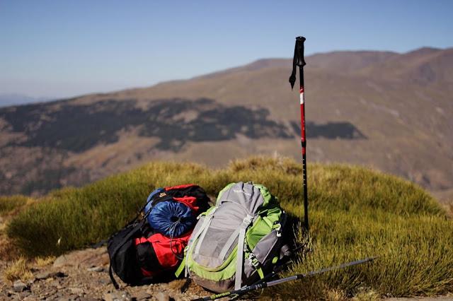 Perlatan lengkap untuk pendakian ke gunung