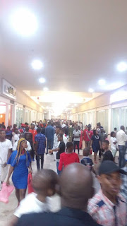 Mammoth Crowd Sighted in Onitsha Mall amidst Recession