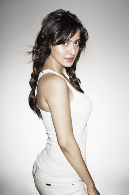 Neha Sharma's Sexy legs + her other gorgeous images