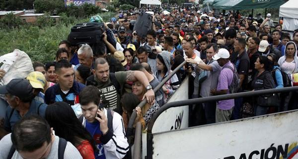 Colombia instala puertas tecnológicas para controlar a refugiados venezolanos