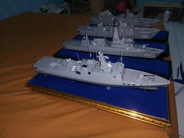 Miniatur Kapal Cepat di Surabaya