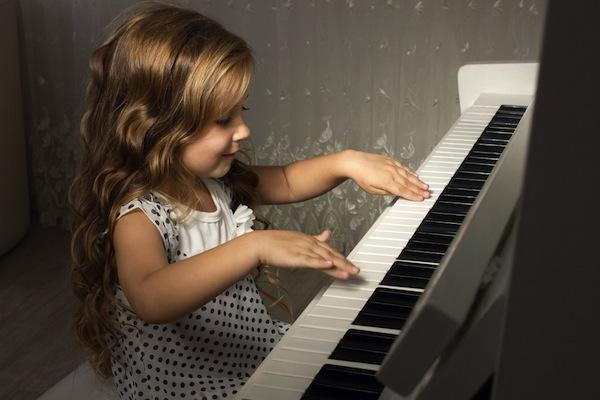 dan piano dien cho be