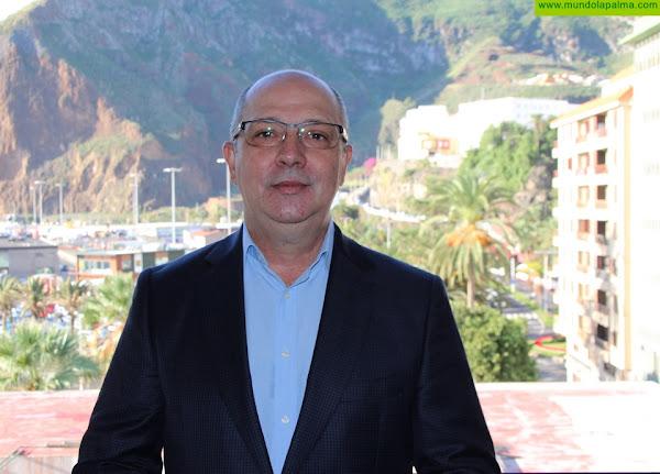 """Juan Ramón Felipe: """"Mientras Carlos Cabrera habla de gestión transparente del agua, oculta la pérdida de miles de litros al día por una fuga en la balsa de Barlovento"""""""