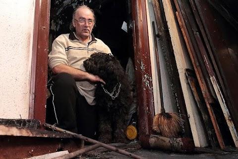 Az autójában él a férfi, akinek az óév végén kiégett a miskolci lakása