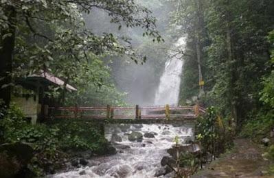 air terjun kakek bodo di kabupaten pasuruan air terjunnya indah