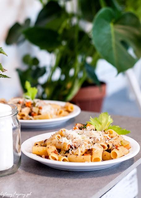makaron-z-indykiem-i-warzywami