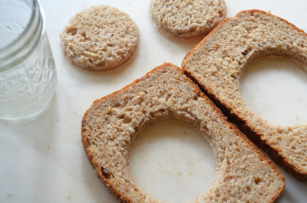 Center rounds of bread removed from bread.