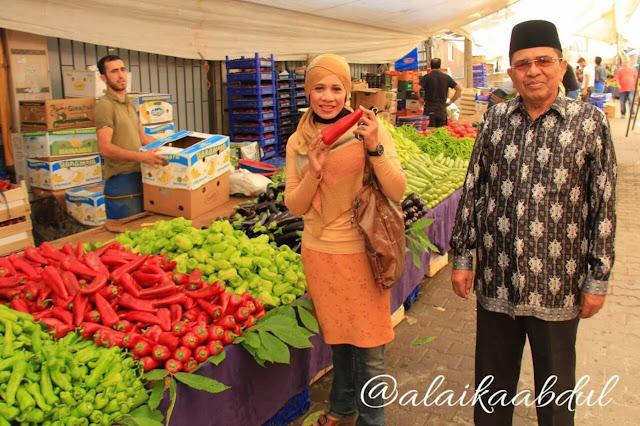 Pasar tumpah di gultepe