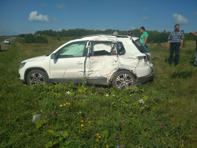 В Башкирии иномарка попала под грузовик, в машине находился ребёнок