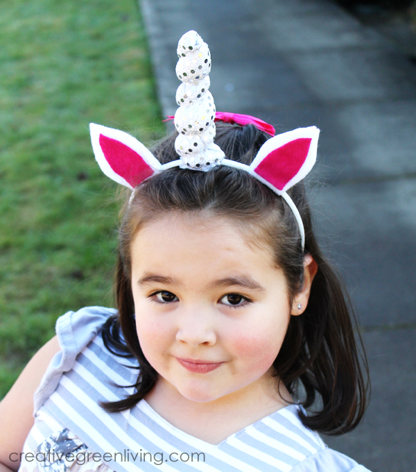 How to make a DIY felt unicorn horn - best unicorn headband for unicorn birthday parties