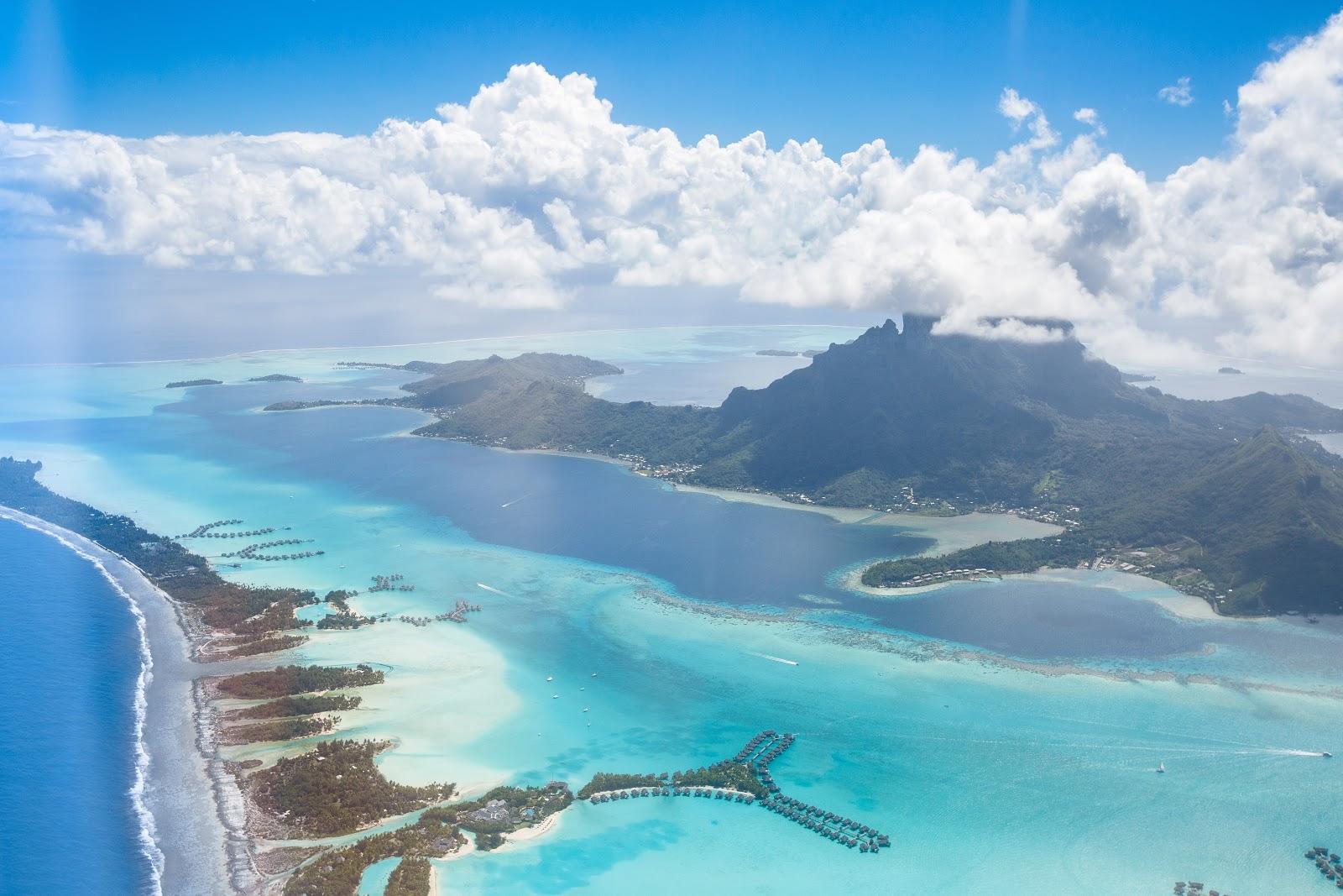 Bora Bora本島及周圍Motu 空拍照