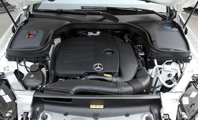 Đánh giá Mercedes GLC 300 4MATIC 2021