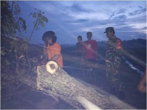 Kodim Sragen - Puting Beliung Terjang  Kecamatan Sukodono dan Mondokan