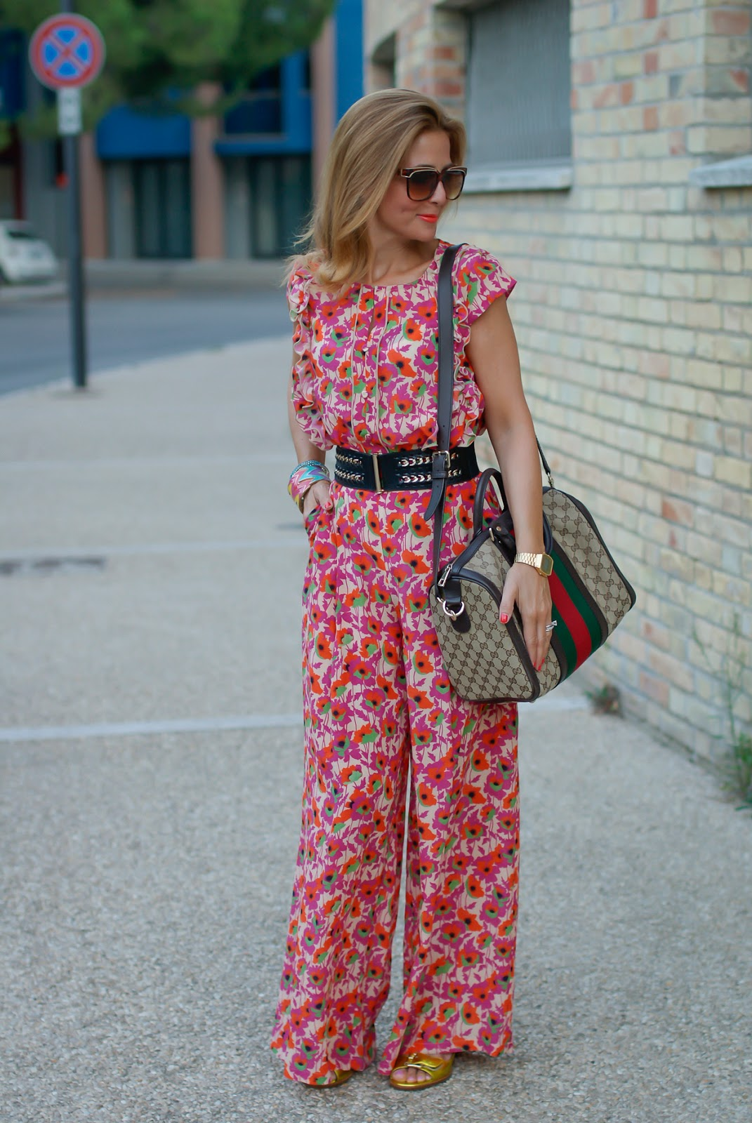 Gucci silk printed suit on Fashion and Cookies fashion blog, fashion blogger style