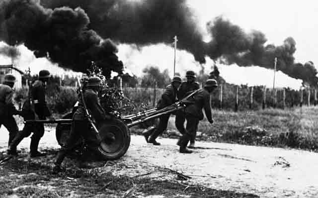German troops in Russia 3 October 1941 worldwartwo.filminspector.com
