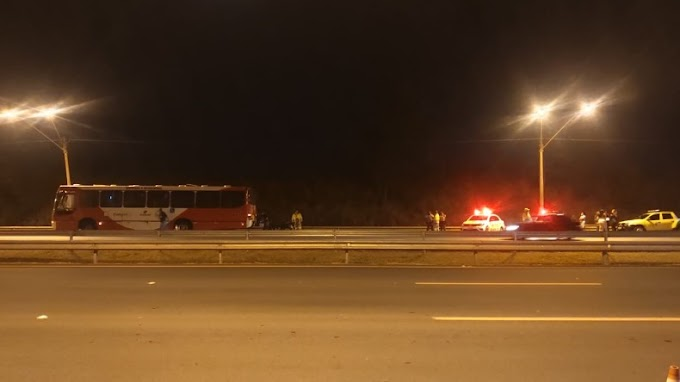 Motoboy morre após colidir com ônibus na Zeferino Vaz