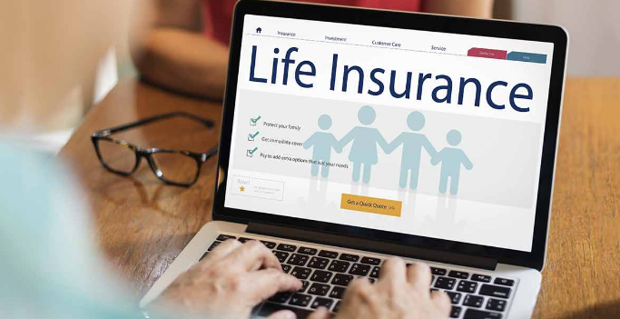 What are the benefits of being an insurance agent?