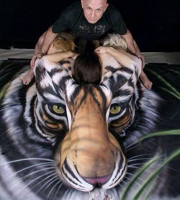 seni melukis tubuh atau body painting atau cat tubuh paling keren kreatif unik lucu dan menakjubkan-22