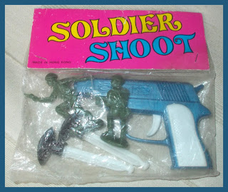 1 RTM - Soldier Shoot Bagged Header Card Hong Kong Crescent Copy Vintage Plastic Toy Soldiers(2) DSCN8086 60mm Piracies; 60mm Toy Soldiers; Bagged Toy; Crescent 60mm; Crescent Khaki Infantry; Crescent Toy Soldiers; Firing Toy; Handgun Toy; Made in Hong Kong; Old Plastic Figures; Old Plastic Toys; Old Toy Soldiers; Pistol; Plastic Figures; Plastic Toy Figures; Plastic Toys; Rack Toy; Rack Toy Month; RTM; Small Scale World; smallscaleworld.blogspot.com; Sucker Firing Pistol; Toy Pistol; Toy Soldiers; Old Vintage Figures, Vintage Toys;