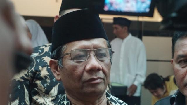 Fadli Zon Ajak Mahfud MD Ikut Jemput Habib Rizieq di Soetta
