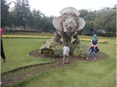 barong bali Taman Bunga Nusantara