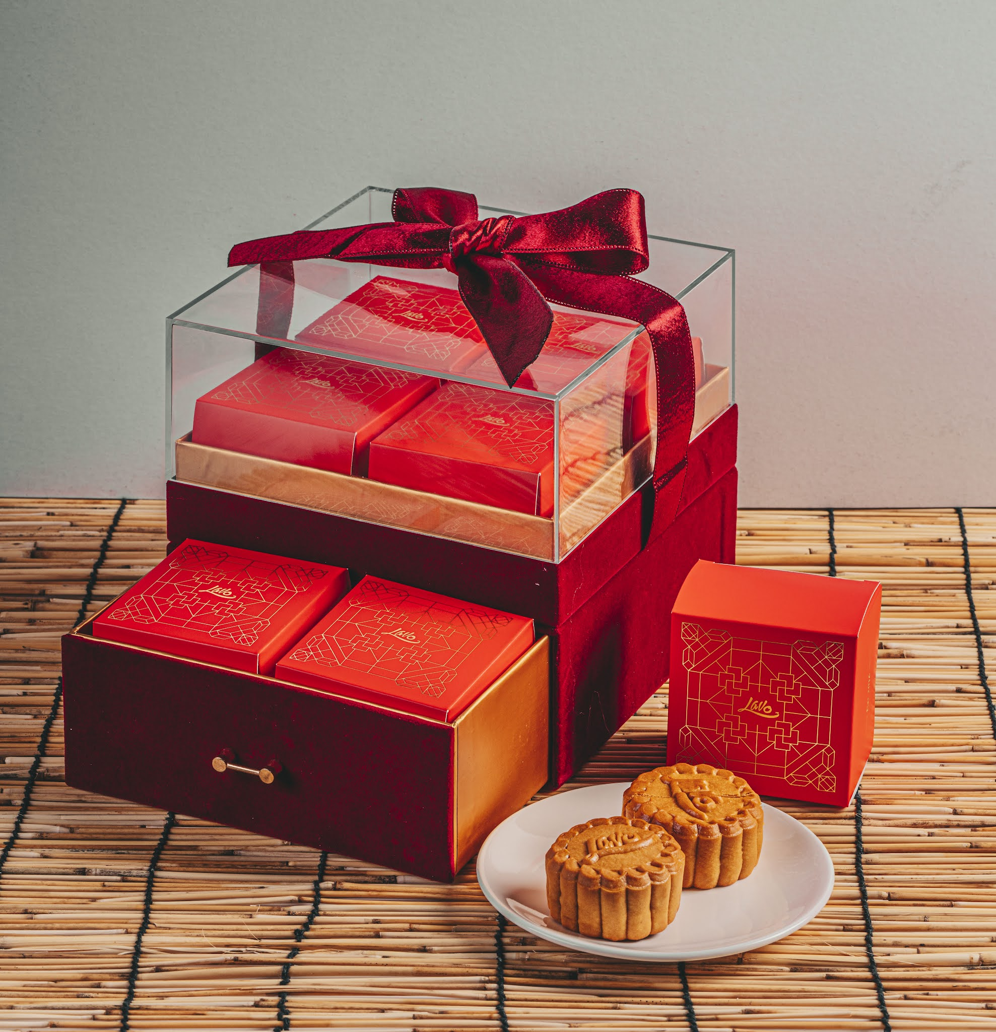 LavoWine: Gifts of French artisanal gin & wine with mooncake sets