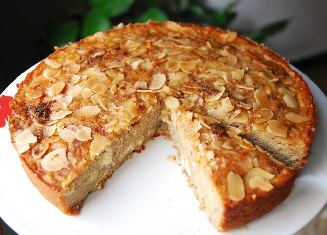 Gâteau aux pommes, amandes et chocolat blanc