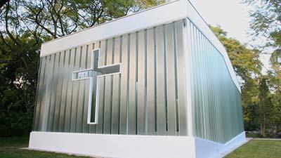 https://1.bp.blogspot.com/-JT5CHVVWOUw/VyfWag967pI/AAAAAAAAO_E/4kIp8KmkTzwqcfLgHqdvrScIx9f2U0TOQCLcB/s1600/La-Estancia-Glass-Chapel.jpg