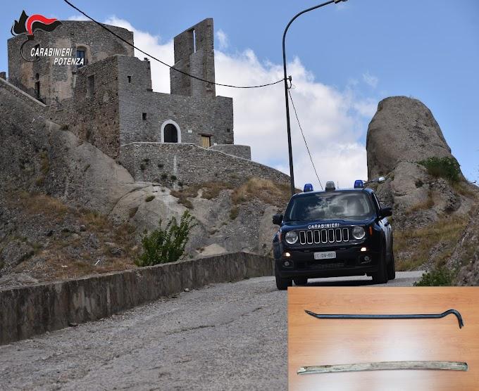 Ubriaco rifiuta l'alcotest e aggredisce i carabinieri: arrestato