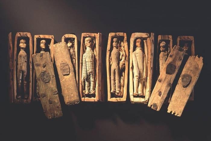 Загадка старинных деревянных трупов из Шотландии