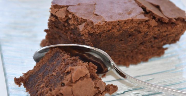 Recipe: Chocolate Cake Without Butter, Sugar, Wheat Flour And So Delicious