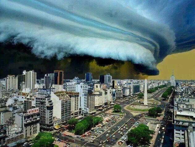 Shelf Cloud over Buenos Aires