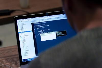 Program Menghitung Luas Segitiga Menggunakan Kelas Scanner Java