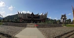 Berkunjung Ke Istana Pagaruyung, Kediaman Para Raja Minangkabau