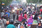PPKM Darurat, Ribuan Warga Justru Berdesakan Di Pasar Tradisional