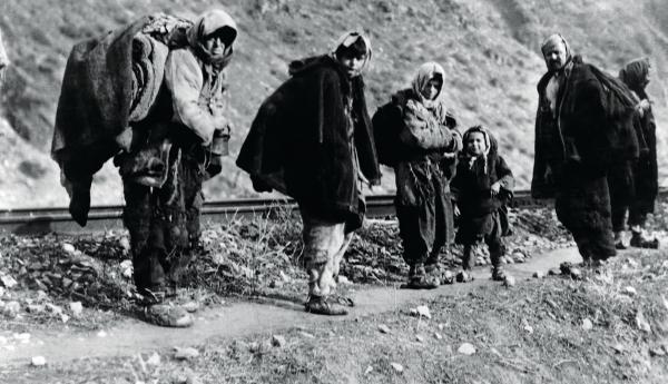 """Ανταρσία στο Μωριά:  """"1922-2019: Δικοί τους οι πόλεμοι, δικοί μας οι νεκροί και οι ξεριζωμένοι"""""""