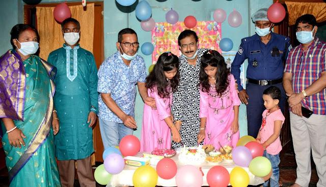 জন্মদিনে কেক ও মিষ্টি নিয়ে এমপি মনোরঞ্জন শীল গোপাল আসবেন এটা স্বপ্নের মতো
