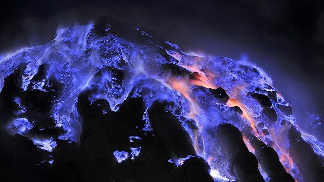 The 'monster' spits a magical blue glowing lava in Indonesia
