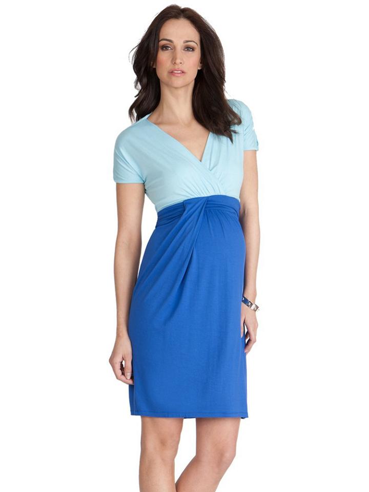 Découvrez les dernières tendances en vêtements grossesse et de maternité avec ASOS. Achetez des robes, des tops, de la lingerie et des vêtements de soirée de maternité.