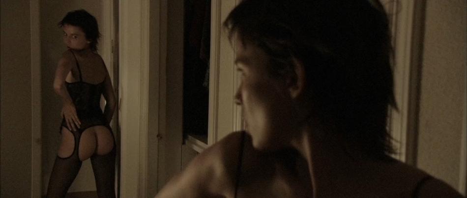 LUCIA E O SEXO (LEGENDADO / 1080P) - 2001 Batch_Sex.and.Lucia.%2528L%25C3%25BAcia.e.o.Sexo.2001%2529.1080p.BRRip.x264.Legendado.mkv_snapshot_01.11.34.624