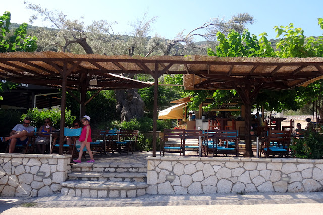 Beach Bar in Amoussa