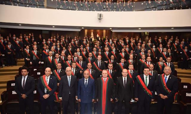 وزير العدل والنائب العام يشهدان أداء معاوني النيابة العامة دفعة 2017 اليمين القانونية