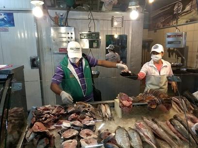 Secretaría de Salud continúa inspección a la venta de pescado